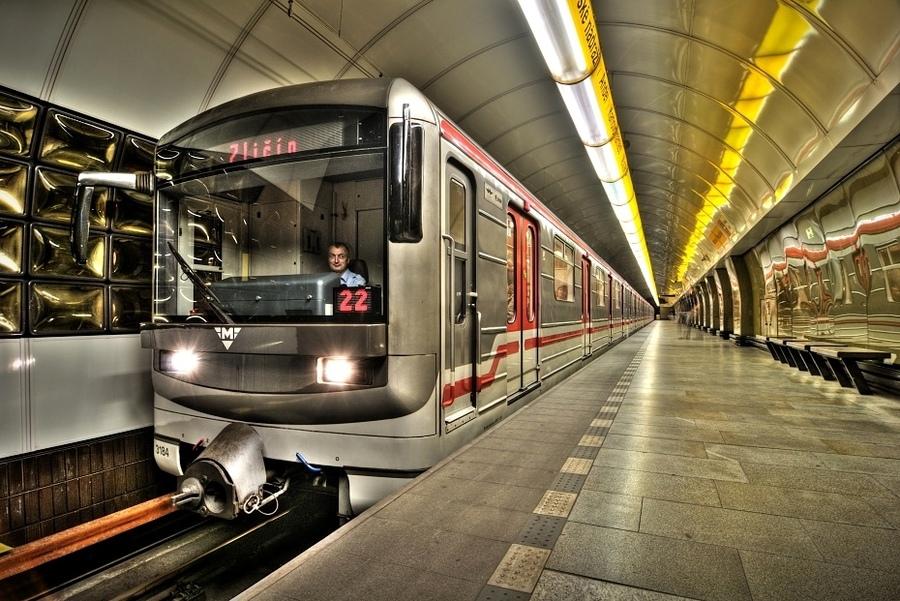 prazhskiy-metro-prostitutka