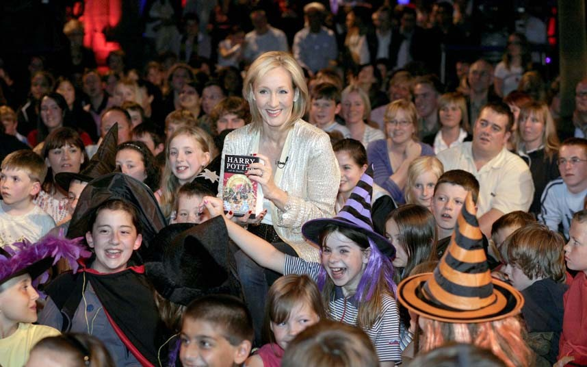 "Author JK Rowling unveils the last book in the Harry Potter Saga: ""Harry Potter and the Deathly Hallows"". She read the first chapter to a group of lucky ticket winners at the Natural History museum followed by mass book signings at 1.00 am,1.30 am, 4.00 am and 6.00 am."