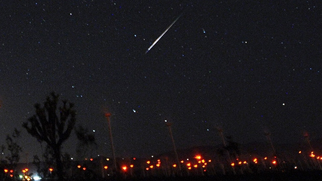 Aug 13,2015. Mojave CA. Meteors  shoot across the night skies over a wind mill farm during the Perseid Meteor Shower in Mojave early Thursday morning. Photo by Gene Blevins/LA DailyNews/ZumaPress (Credit Image: –Т¬© Gene Blevins via ZUMA Wire)